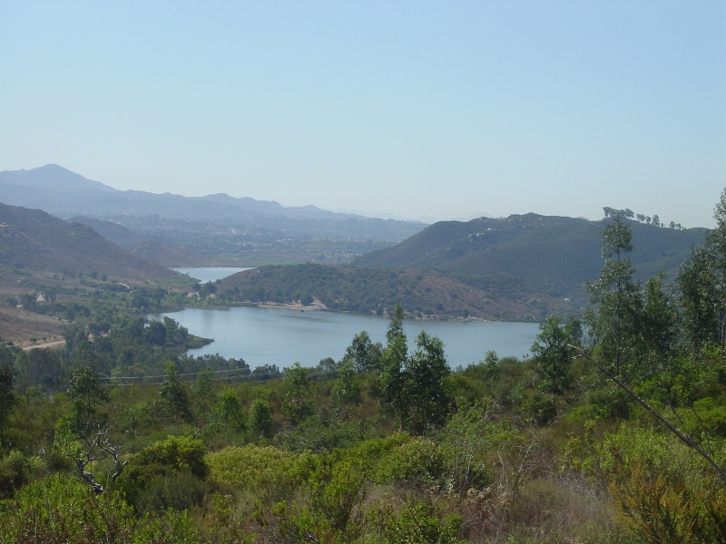 Escondido Neighborhood Guide: Lake Hodges | YNC