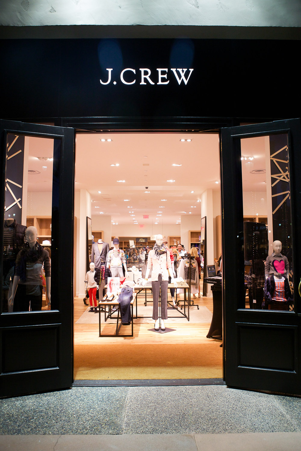 Santa Fe Tow >> See What's Trending at Carlsbad's New J.Crew - YNC