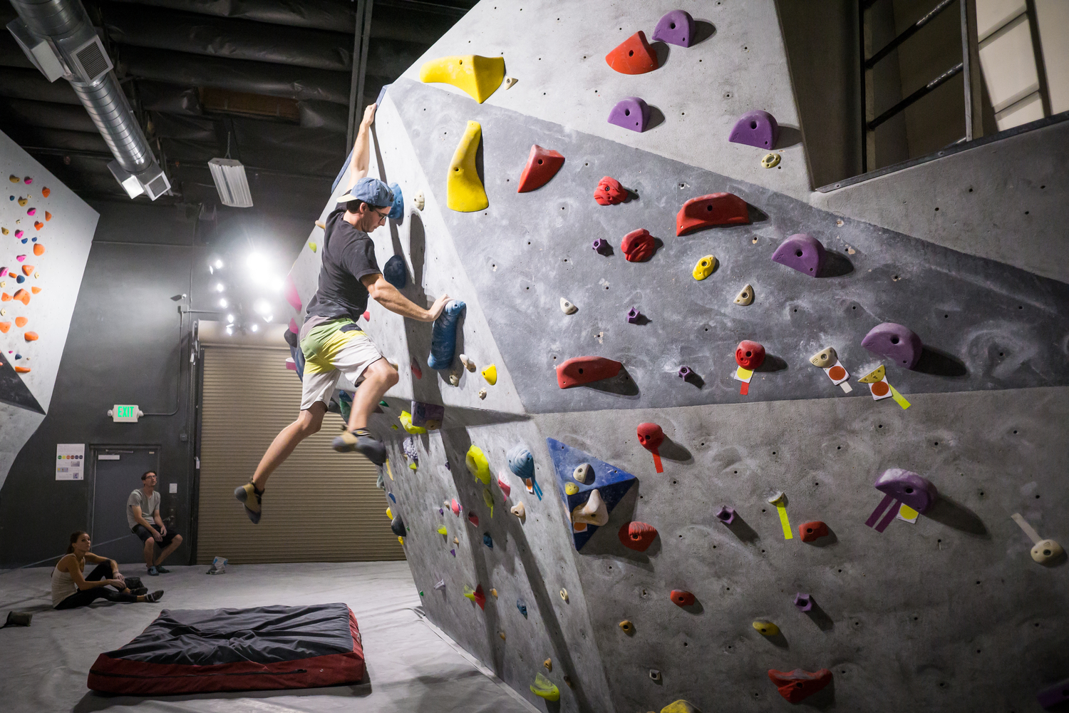 fitness trend - bouldering at vital gym